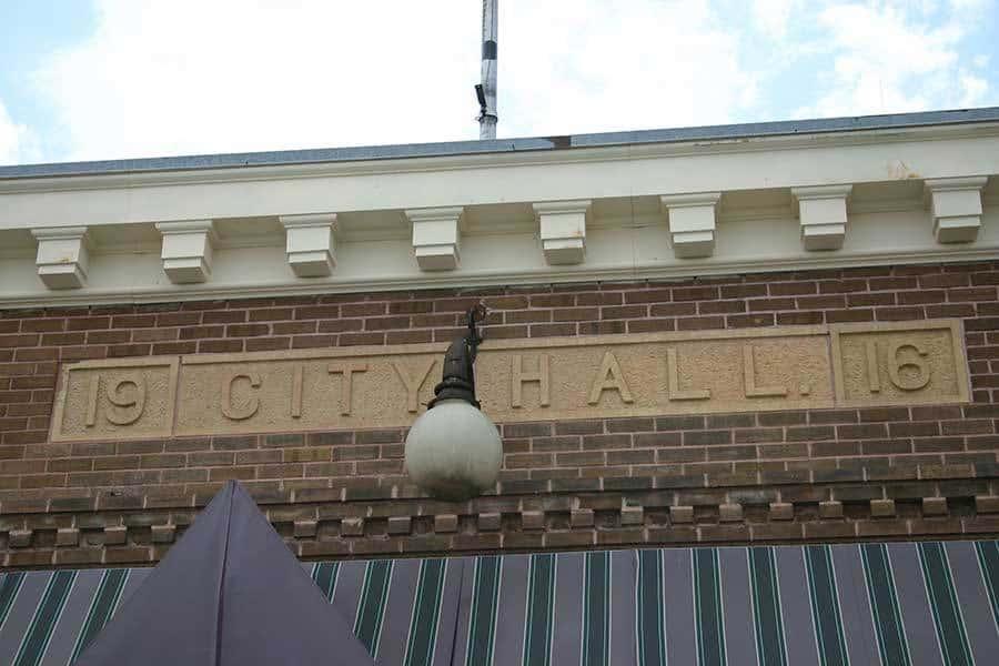 Madelia City Hall sign
